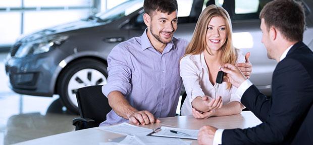 Comprar carro novo ou trocar seminovo consórcio de carros na concessionária Chevrolet Absoluta