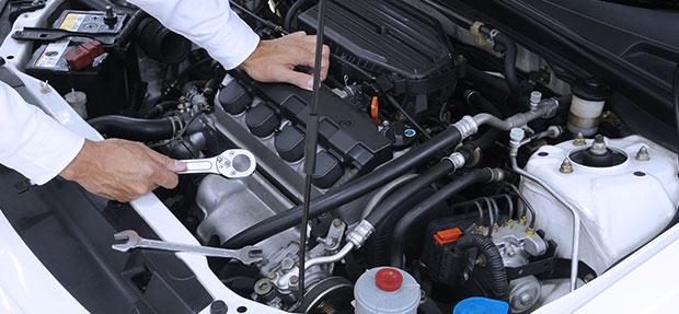 Serviços de manutenção e reparo para revisão de carros na concessionária Chevrolet Fácil