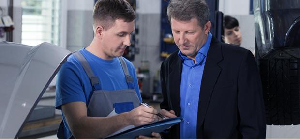 Serviços de manutenção e reparo para revisão de carros na concessionária Chevrolet J.A. Spohr