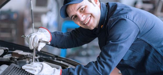 Serviços de manutenção e reparo para revisão de carros na concessionária Chevrolet CCV