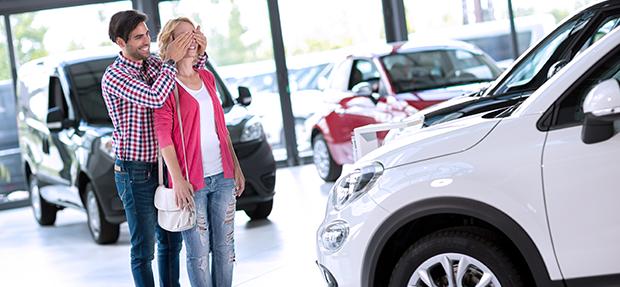 Comprar carro novo ou trocar seminovo consórcio de carros concessionária Chevrolet Artvel