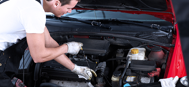 Serviços de manutenção e reparo para revisão de carros na concessionária Chevrolet Luchini