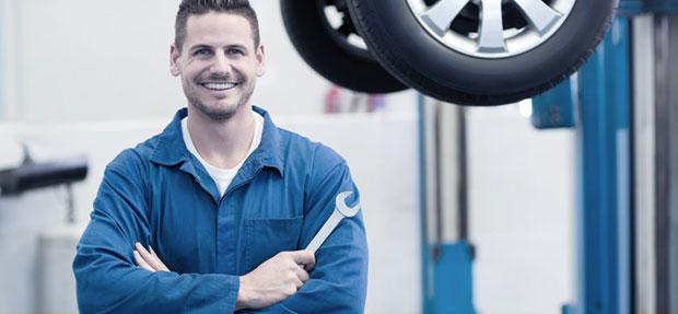 Serviços de manutenção e reparo para revisão de carros na concessionária Chevrolet Lucivel