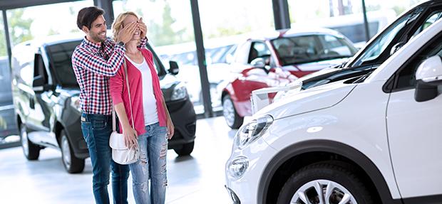 Comprar carro novo ou trocar seminovo consórcio de carros concessionária Chevrolet Braga