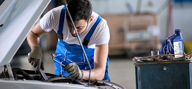 Serviços de manutenção e reparo para revisão de carros na concessionária Chevrolet Apucarana