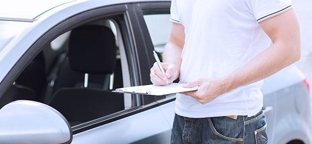 Carro com o Seguro Auto concessionária Chevrolet Auto Vanessa