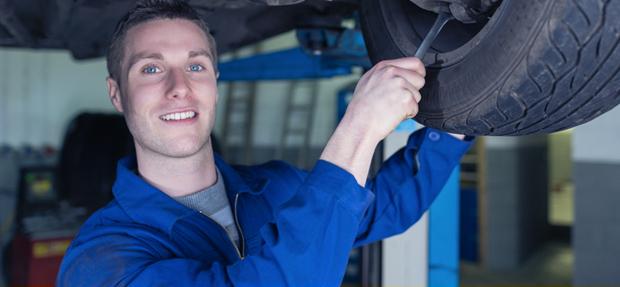 Serviços de manutenção e reparo para revisão de carros na concessionária Chevrolet Suprema