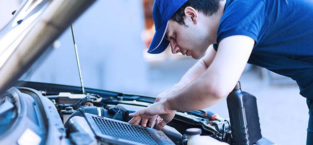 Serviços de manutenção e reparo para revisão de carros na concessionária Chevrolet Planeta.