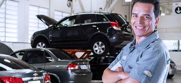 Serviços de manutenção e reparo para revisão de carros na concessionária Chevrolet Rivel