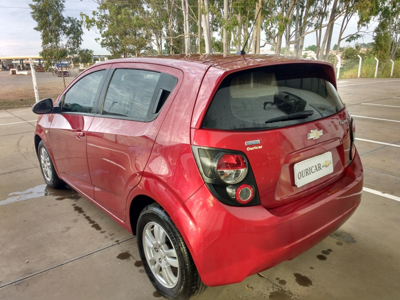GM SONIC LT 1.6 2014