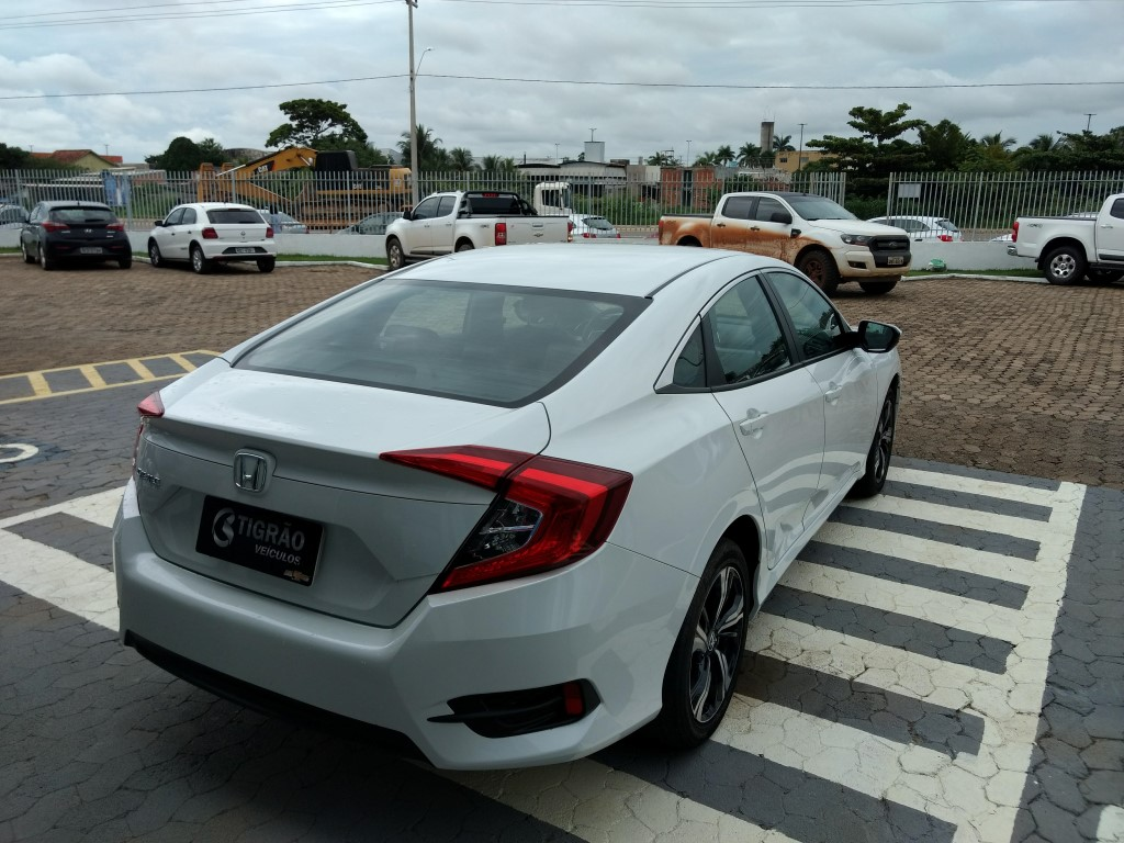 Honda CIVIC ELX AT 2.0 2016