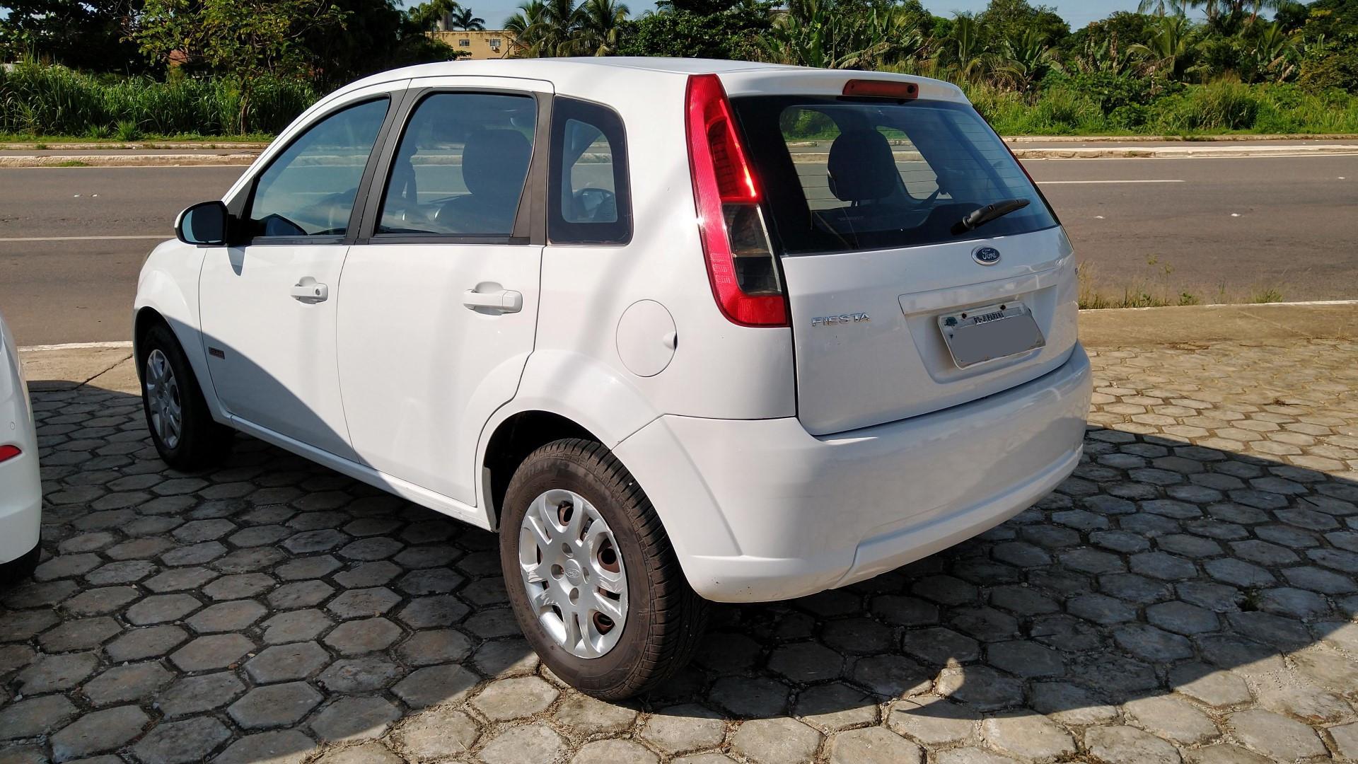 Ford Fiesta GLASS 1.6 2013