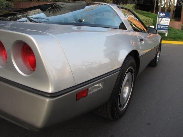 CHEVROLET CORVETTE TARGA V8 5.7 1984