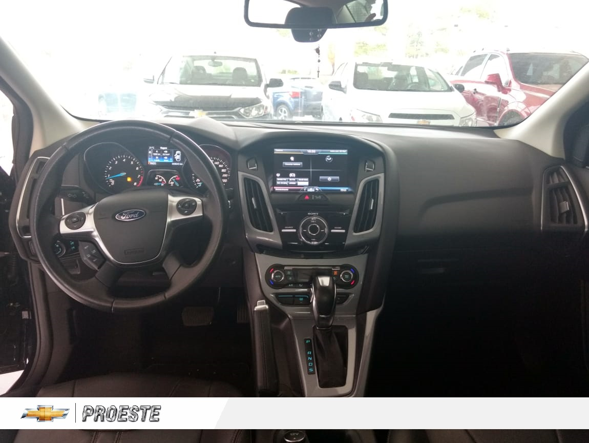FORD FOCUS TITANIUM SEDAN 2.0 2015