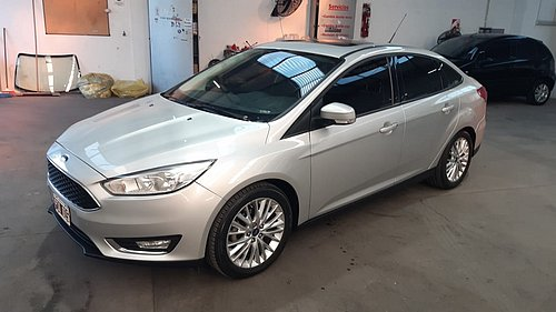 2015 FORD FOCUS 4P 2.0 AT SE 2,0L
