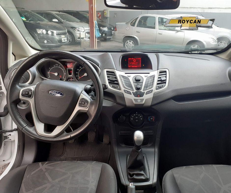 2013 Ford Fiesta Kinetic Desing Titanium 5P - Consultar Ubicacion 1,6L