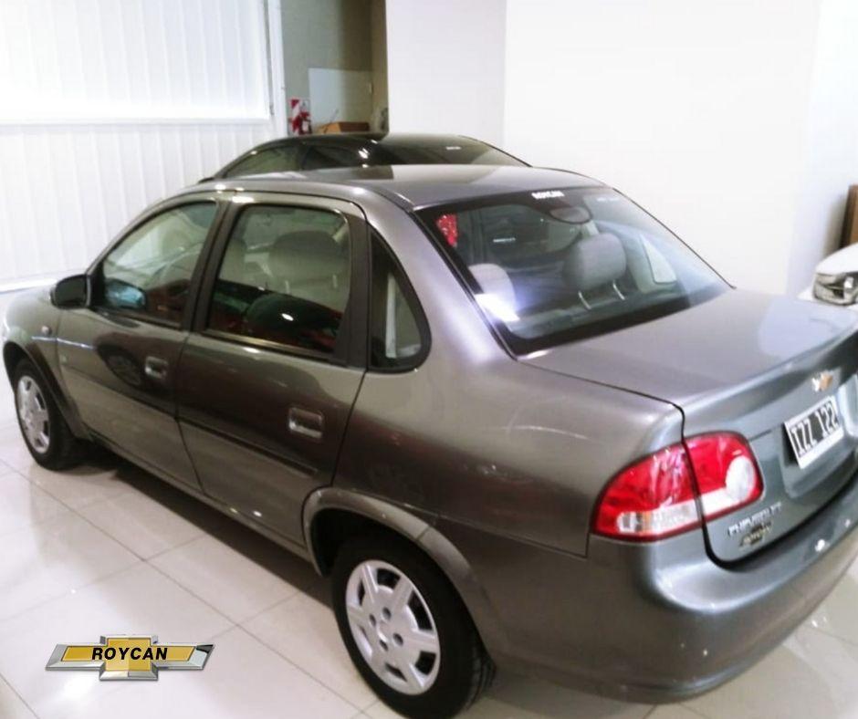 2010 Chevrolet Classic LS 4P AA+Direccion 1,4L