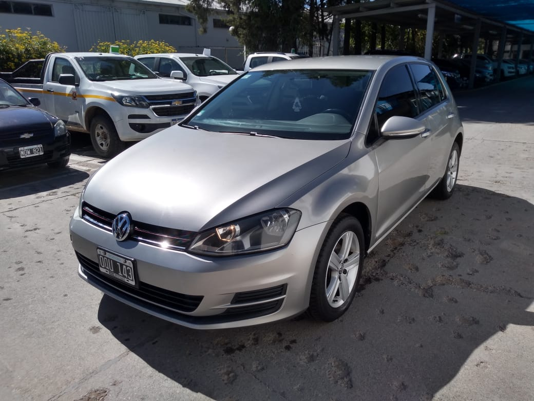 2015 VOLKSWAGEN GOLF 1,6L