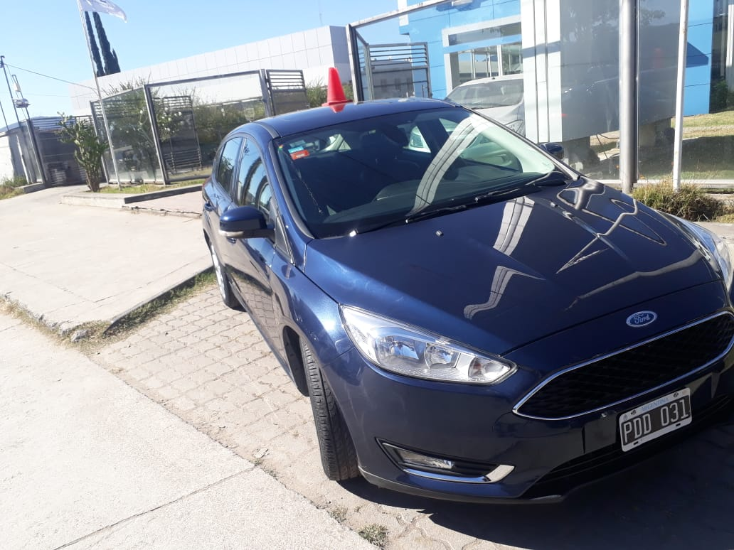 2015 FORD FOCUS SE PLUS 2,0L