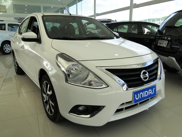Nissan VERSA UNIQUE 1.6L 2017