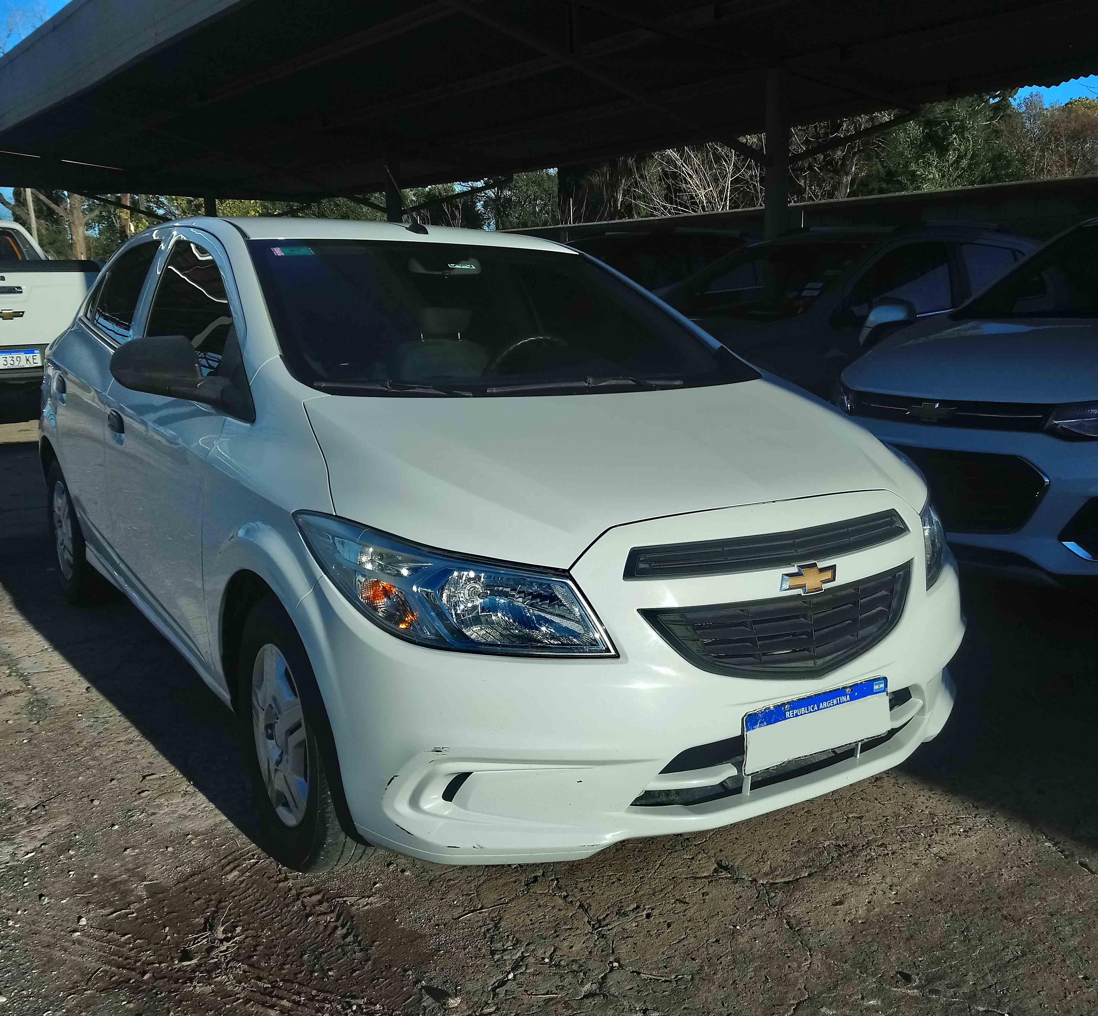 2017 Chevrolet Onix Joy + 1.4L