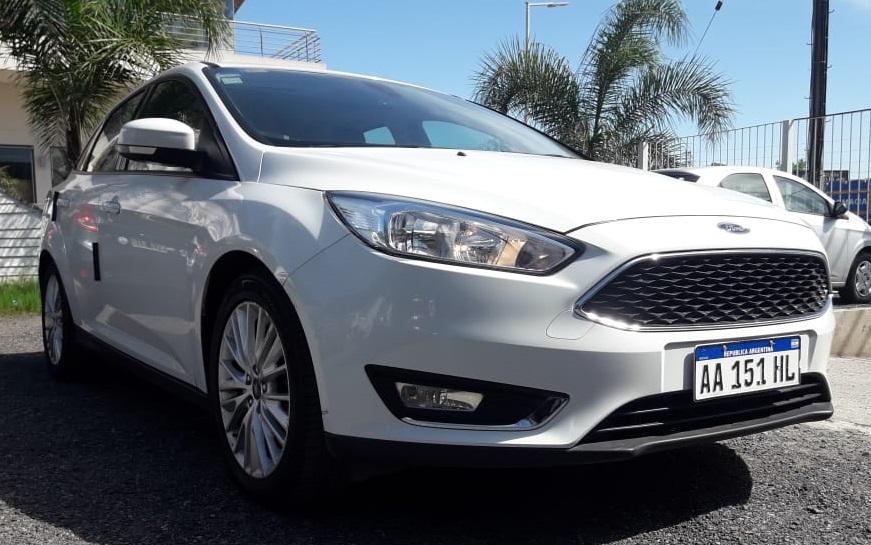 2016 Ford Focus SE Plus AT 2.0L