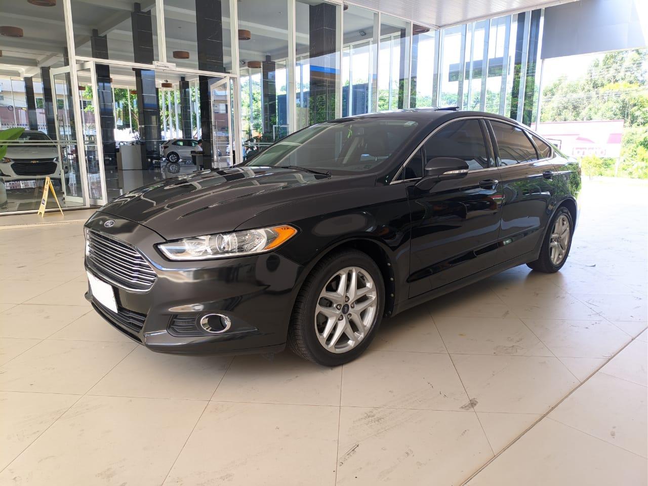 Ford Fusion SE 2.0L 2013