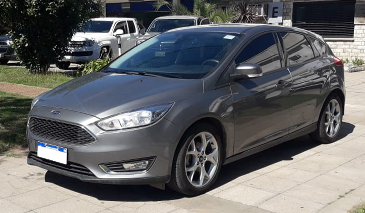 2017 FORD FOCUS SE PLUS AT 2.0