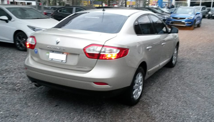 2011 RENAULT FLUENCE LUXE 2