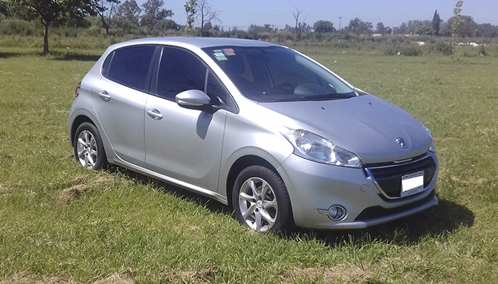 2014 PEUGEOT 208 TOUCHSCREEN 1.5