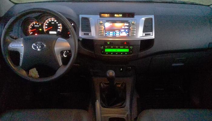 2013 TOYOTA HILUX SRV CUERO 4X2 3.0