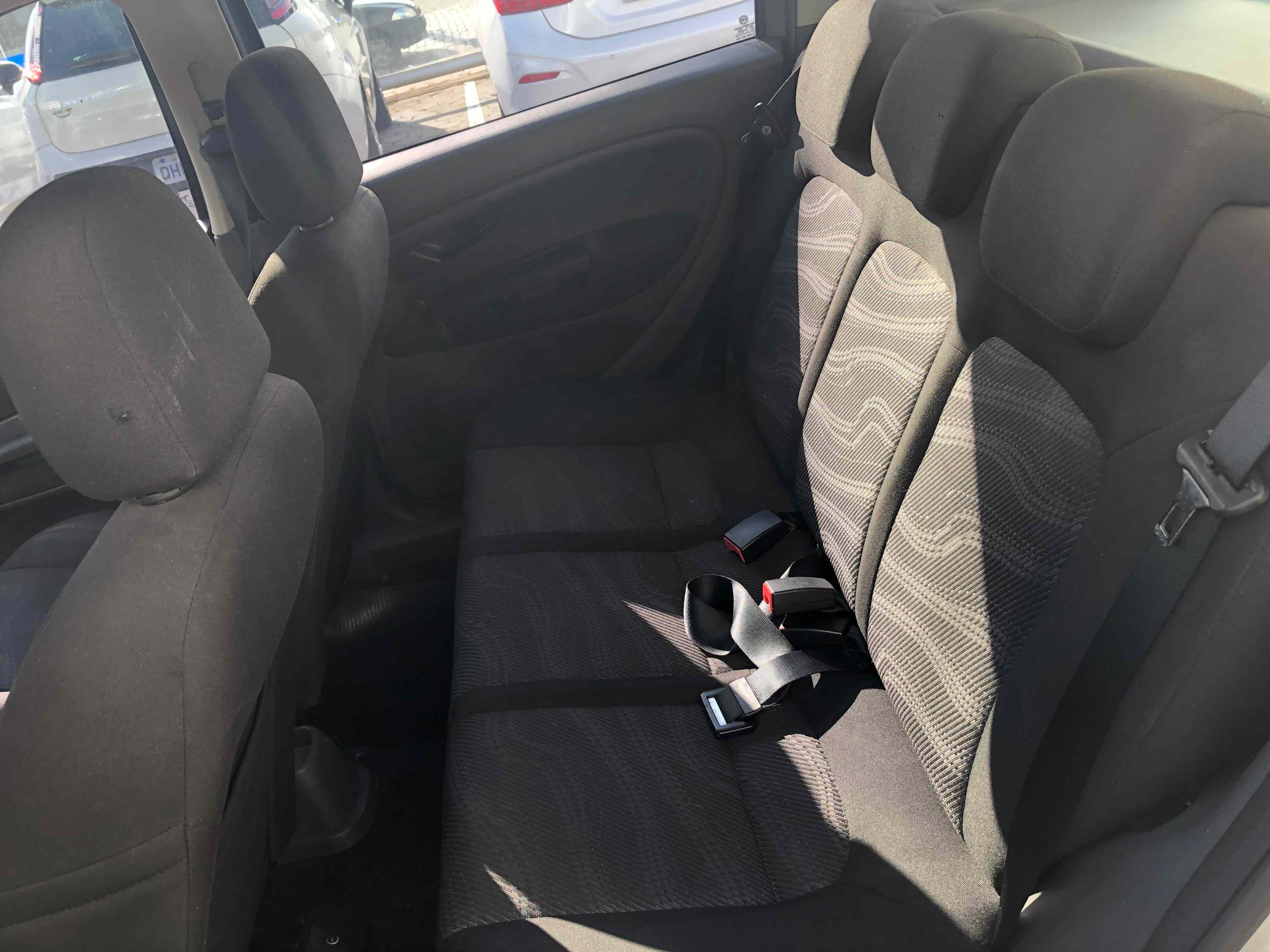 Fiat Punto ATTRACTIV 1.4J 2012