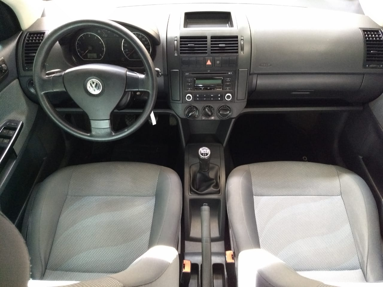 Volkswagen Polo SEDAN 1.6L 2011