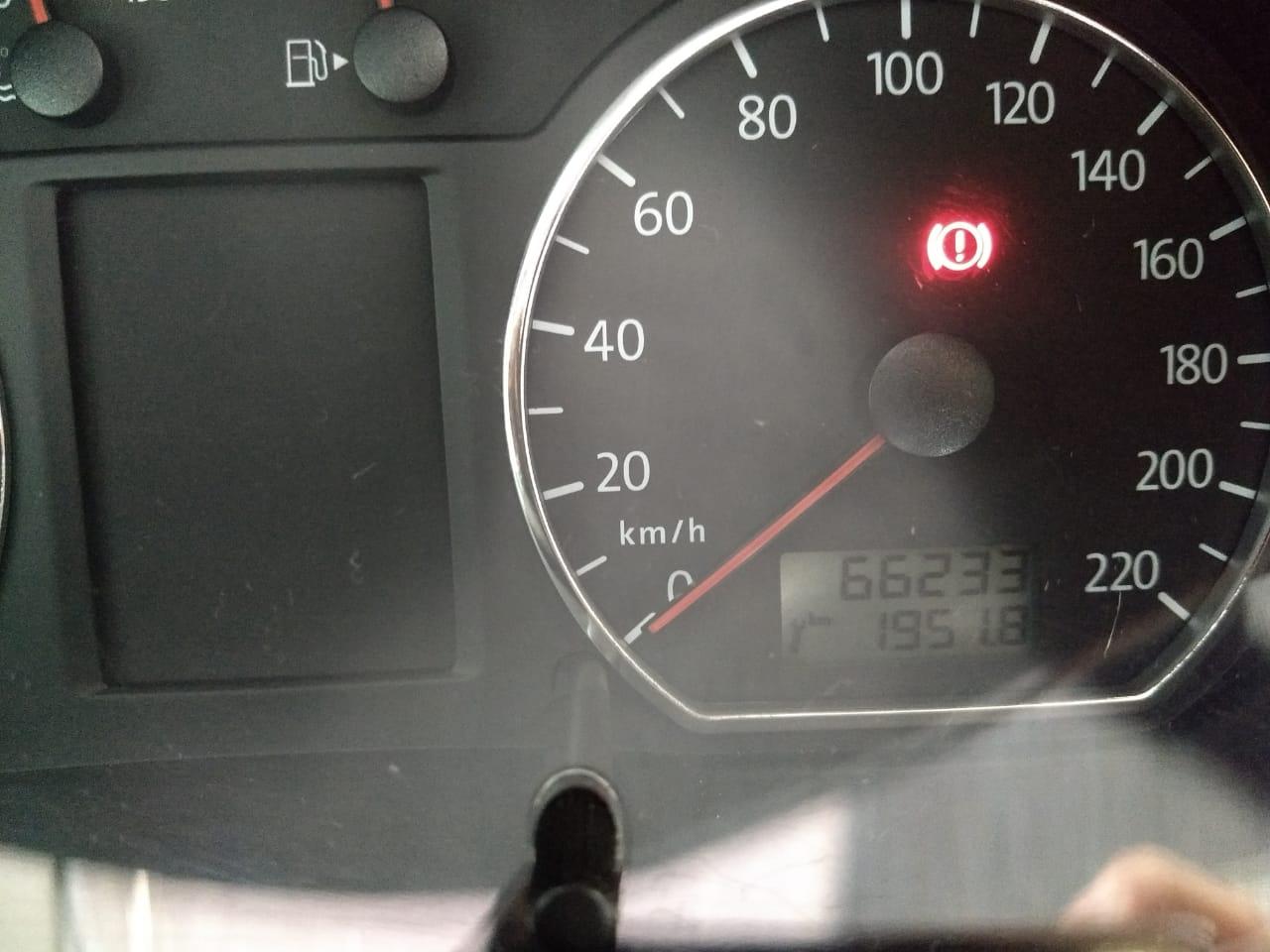 Volkswagen Polo SEDAN 1.6L 2011