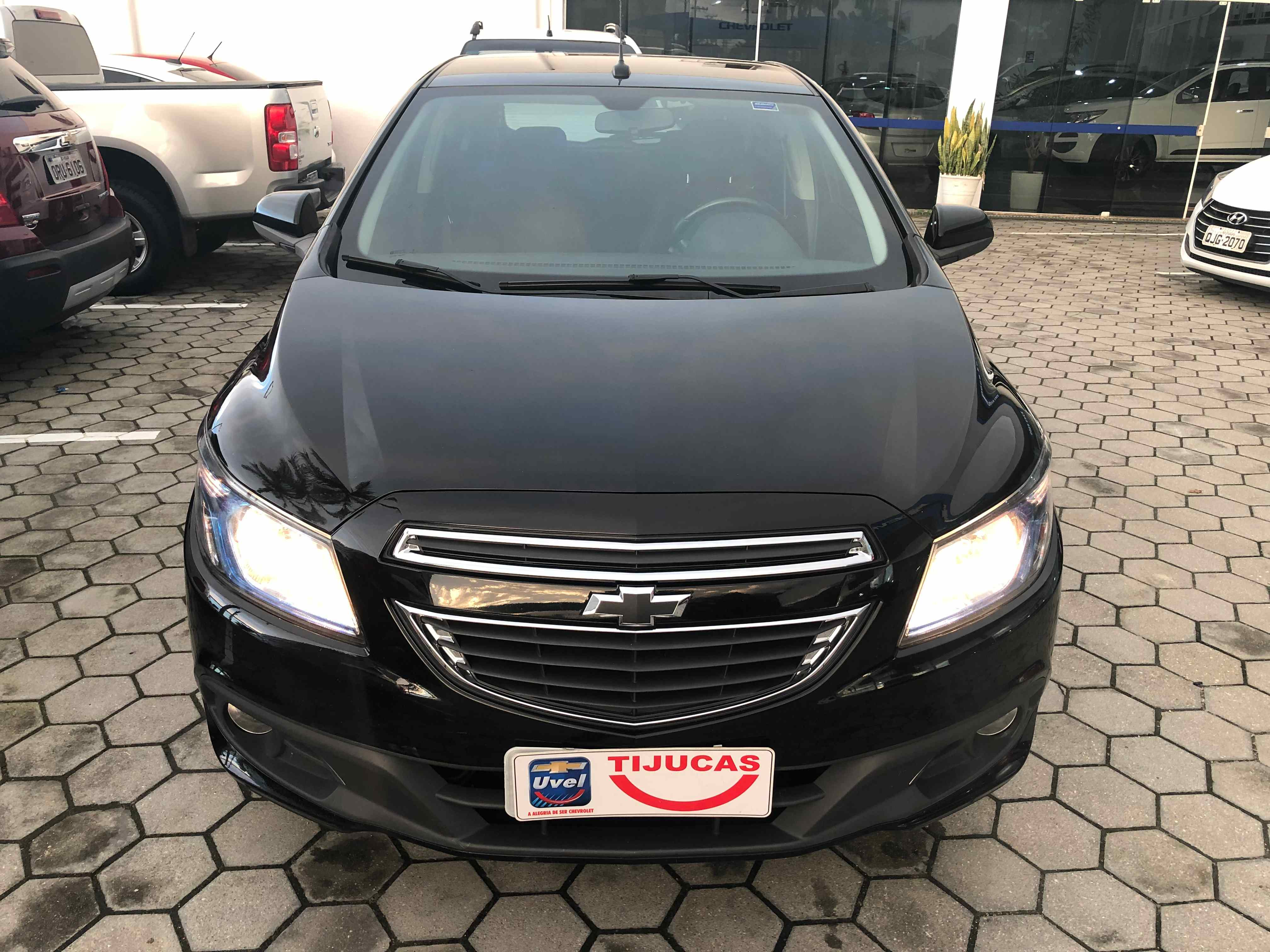 Chevrolet Onix LT 1.4L 2014