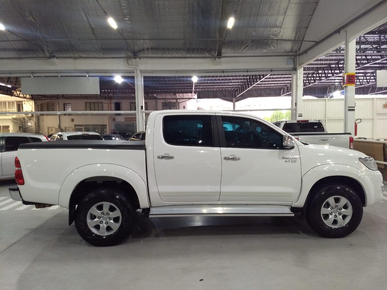 Toyota Hilux SRV 2.7L 2015