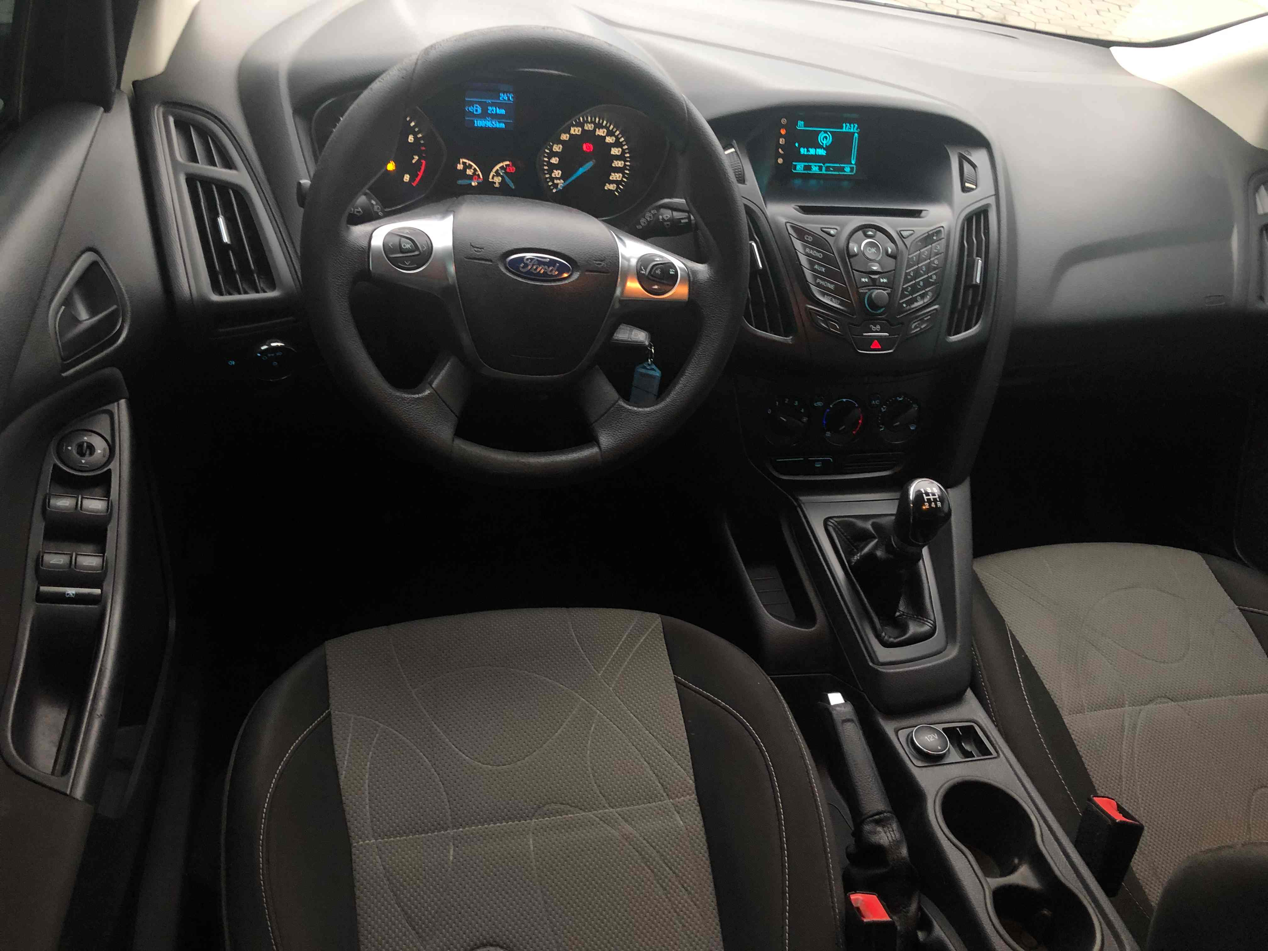 Ford Focus S 1.6L 2014
