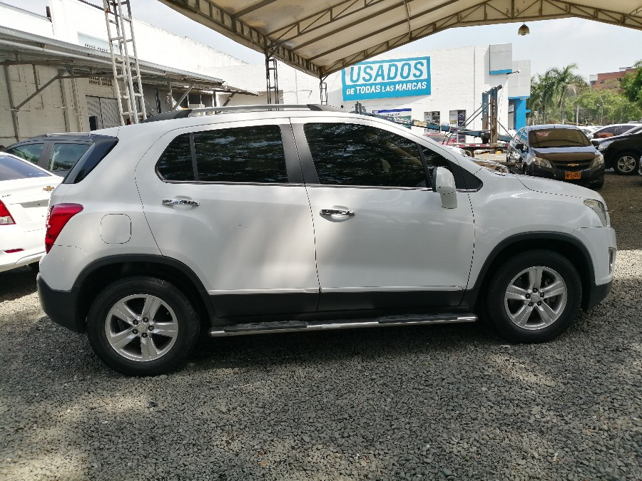 2014 CHEVROLET TRACKER LT AT PASAJEROS 1.8L