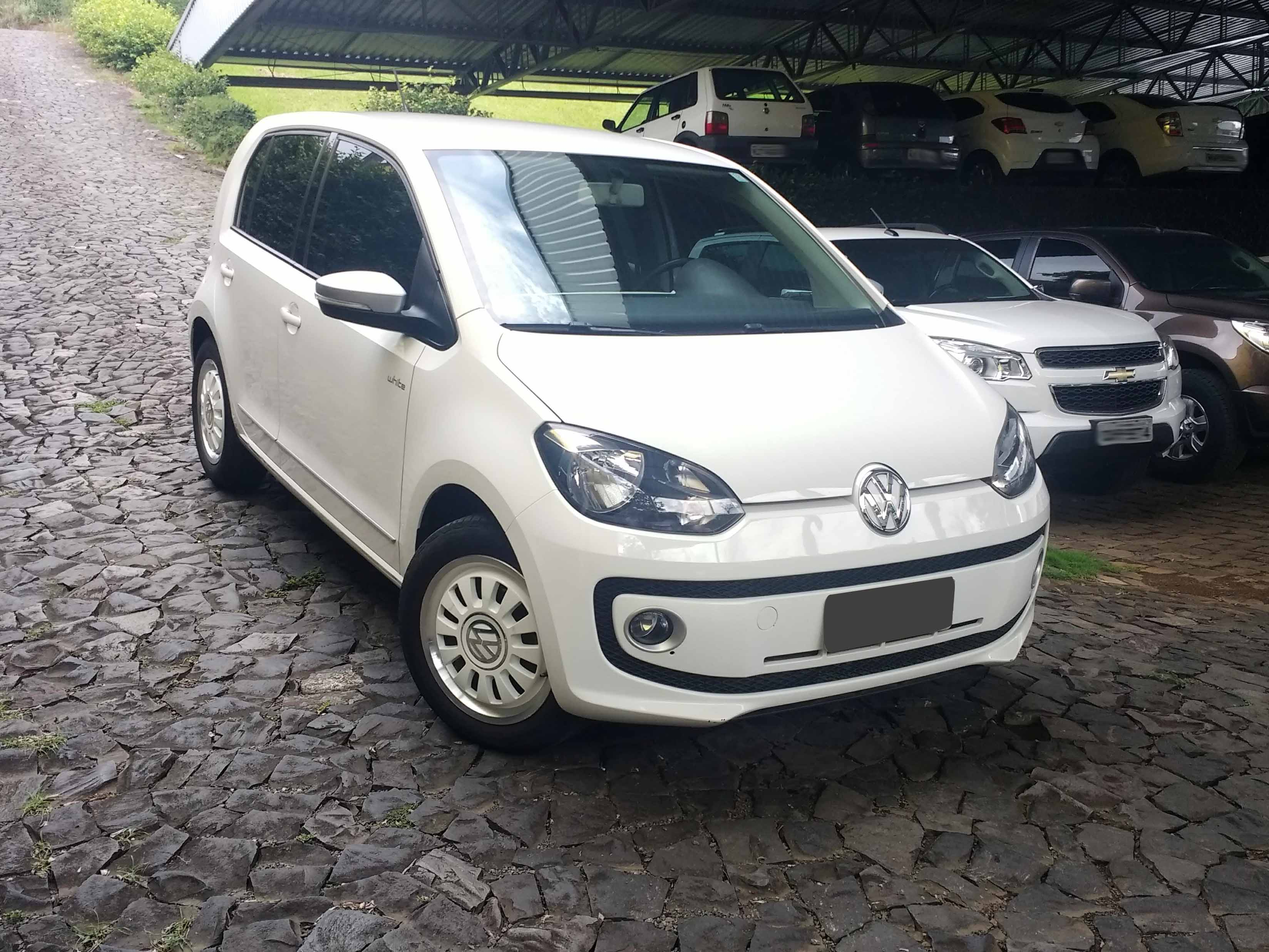 VOLKSWAGEN UP BLACK WHITE 1.0 2015