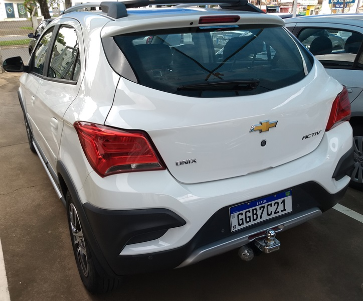 CHEVROLET ONIX ACTIV AT 1.4 2018