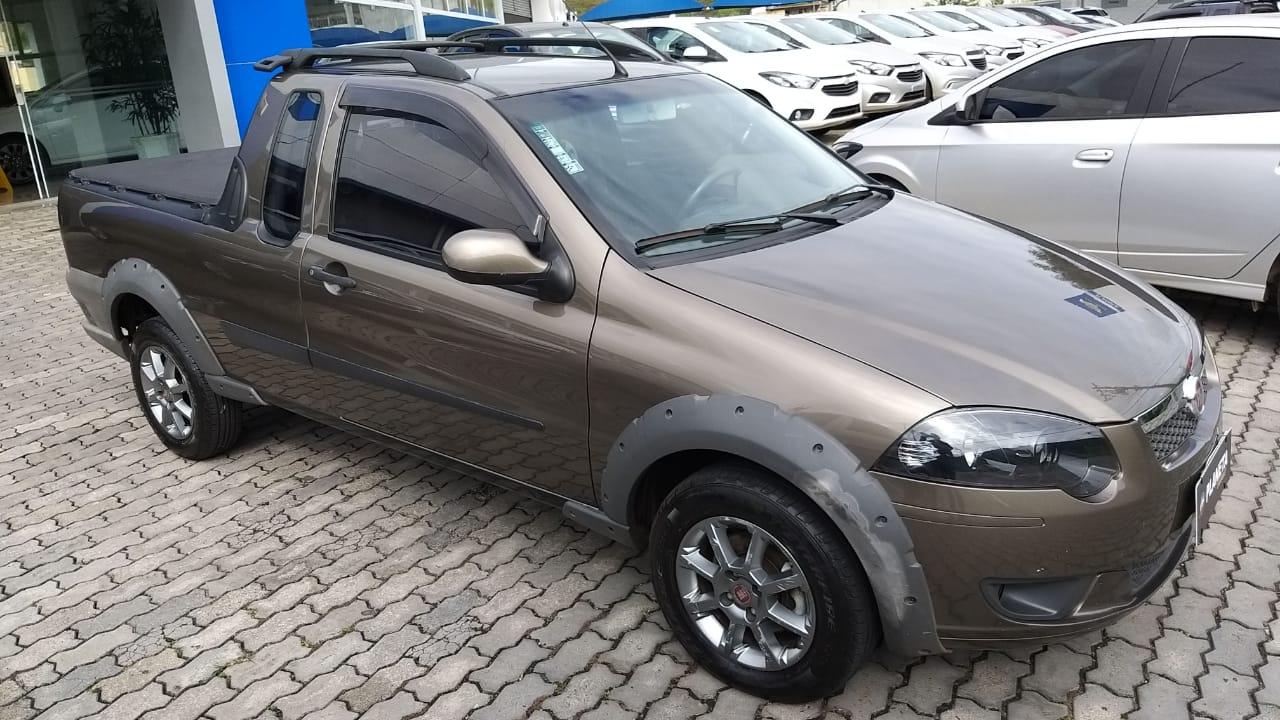 Fiat Strada Trek 1.6 2013