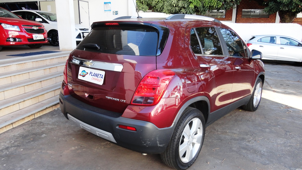 CHEVROLET TRACKER LTZ AT 1.8 2013