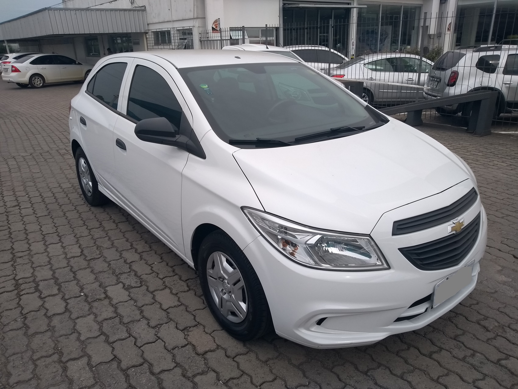 CHEVROLET ONIX HATCH JOY . 1.0 2017