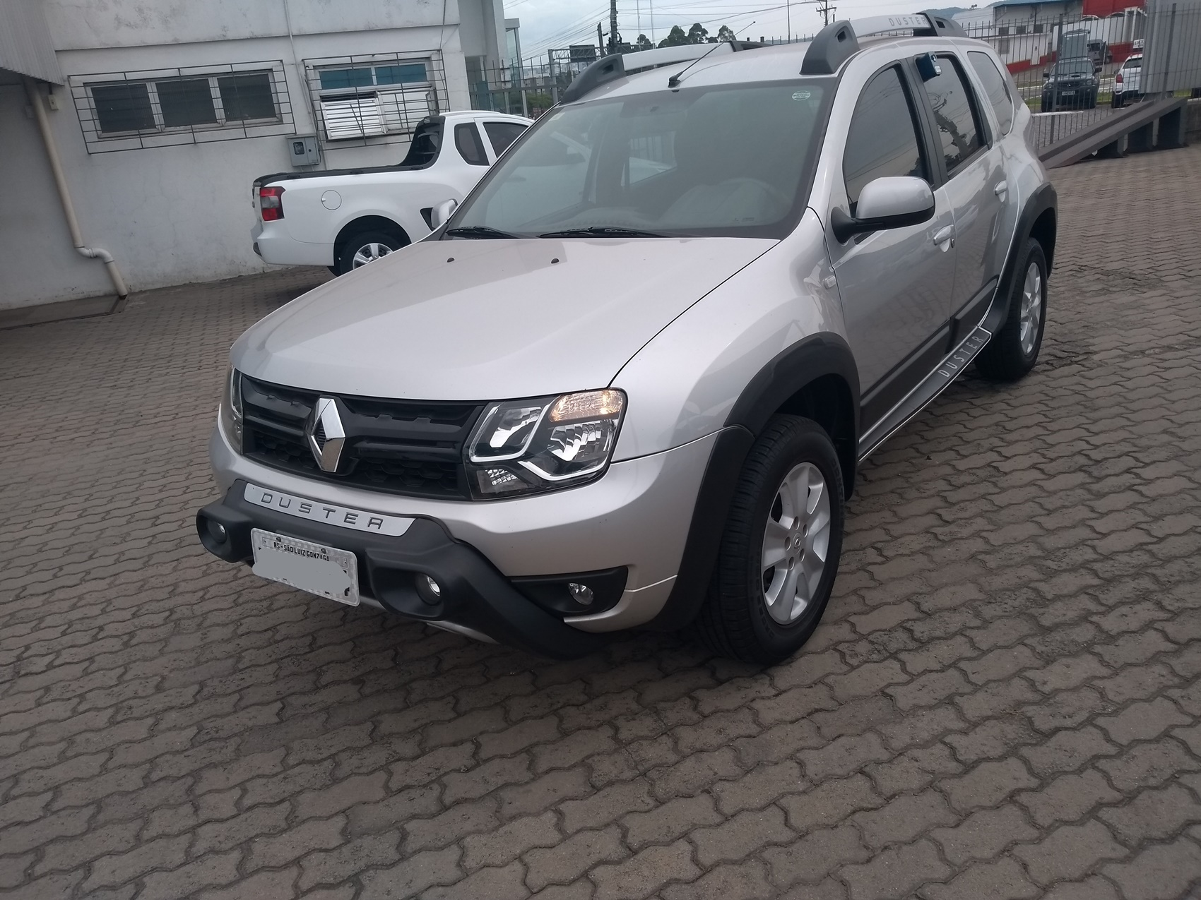 RENAULT DUSTER DYNA 4X2 . 1.6 2015