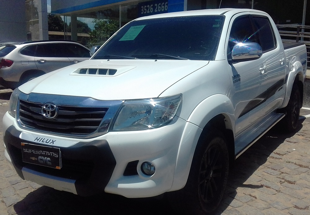 Toyota HILUX CD4X4 LE 3.0 2015
