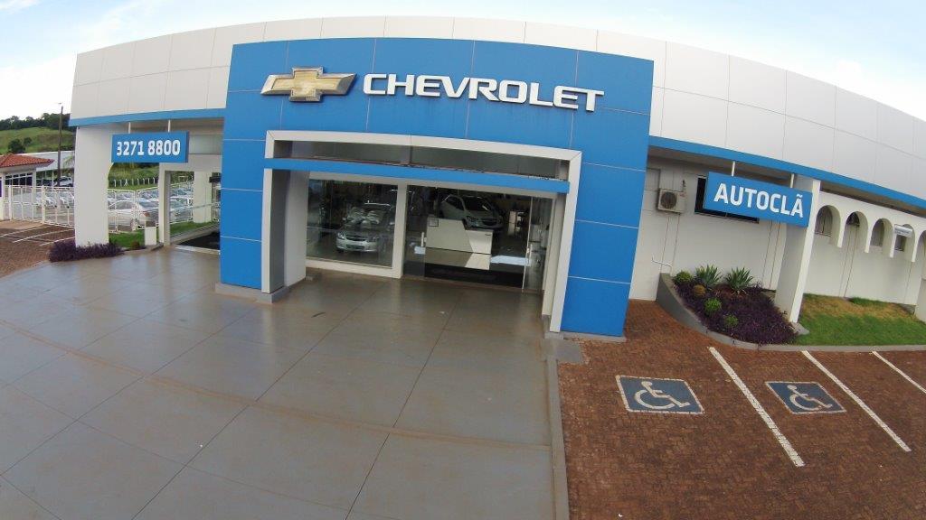 Fachada concessionária Chevrolet Autoclã