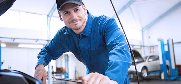 Serviços de manutenção e reparo para revisão de carros na concessionária Chevrolet Mapi