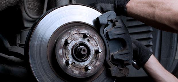 Serviços de revisão, manutenção e reparo de carros na concessionária Chevrolet Auto Imperial