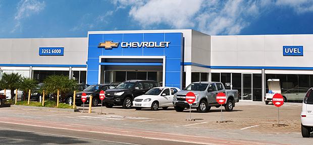 Fachada concessionária Chevrolet Uvel.