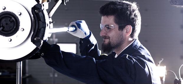 Serviços de manutenção e reparo para revisão de carros na concessionária Chevrolet Simpala